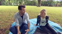 Gregor mit Chantal im Park – © RTL II