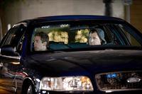 """""""CSI: Vegas"""", """"Willkommen im Inferno."""" Das CSI Team soll die Morde an drei Prostituierten aufklären, deren Leichen zwar an unterschiedlichen Orten gefunden wurde, aber alle offenbar von ein und demselben Täter getötet wurden. Schnell wird klar, dass es sich um einen Serienkiller handelt, der anscheinend durch Dante's Inferno inspiriert wurde. Russell geht davon aus, dass der Täter mindestens noch fünf weiter Morde plant. Es wird ein Plan ausgearbeitet, in der Morgen als Lockvogel fungiert. Keiner ahnt in welche Gefahr sie dich damit begibt.Im Bild (v.li.): Eric Szmanda (Greg Sanders), George Eads (Nick Stokes).  SENDUNG: ORF eins - SO - 23.02.2014 - 22:20 UHR. - Veroeffentlichung fuer Pressezwecke honorarfrei ausschliesslich im Zusammenhang mit oben genannter Sendung oder Veranstaltung des ORF bei Urhebernennung.  Foto: ORF/Beta Film/Neil Jacobs.  Anderweitige Verwendung honorarpflichtig und nur nach schriftlicher Genehmigung der ORF-Fotoredaktion.  Copyright: ORF, Wuerzburggasse 30, A – © ORF eins"""