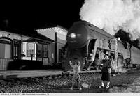 Nächtlicher Blick auf Virginias Bahnen (Folge 744) – © SWR Fernsehen