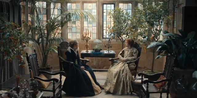 Diana (Teresa Palmer) findet bei Mary (Amanda Hale) keine Hilfe.