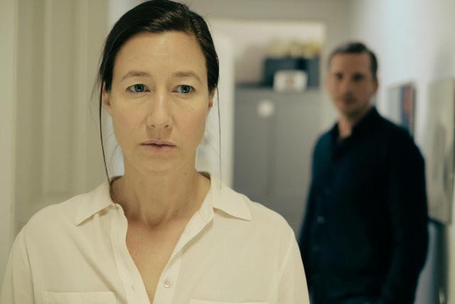 Am Rande des Bankrotts: Ärztin Sarah (Johanna Wokalek) steht das Wasser finanziell bis zum Hals.