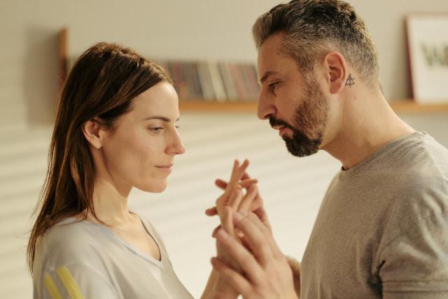 Vor dem Unfall waren sie ein glückliches Paar: Eva (Antje Traue) und Georg (Murathan Muslu)