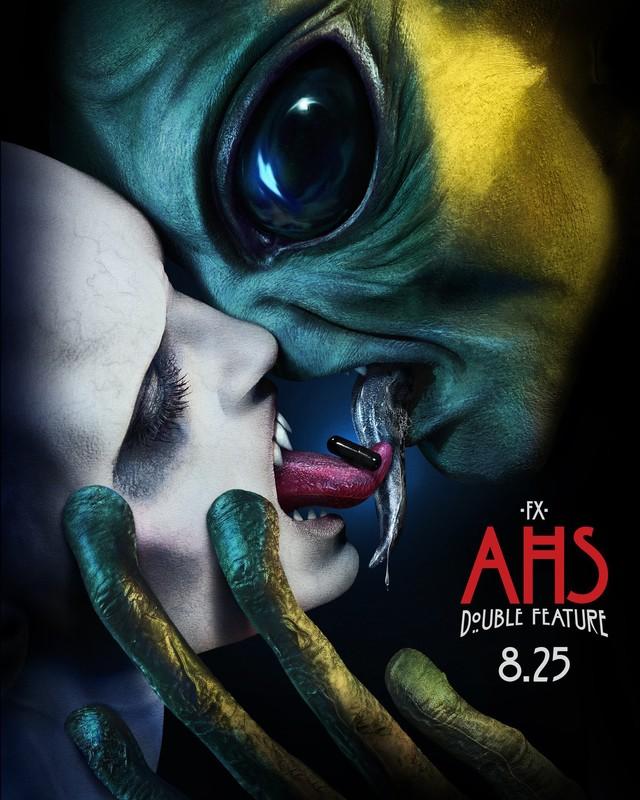 """Poster zur zehnten Staffel von """"American Horror Story"""", """"Double Feature"""""""