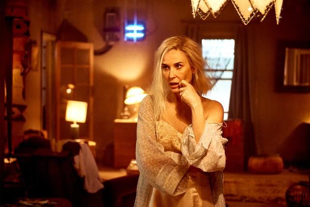 """Die blondierte Demi Moore als Linda in """"Brave New World""""."""