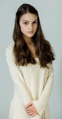 Emma (Luise Befort) ist das einzige weibliche Mitglied