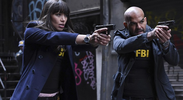 Das FBI: Agentin Kay Daniels (Ilfenesh Hadera) und Agent Mike Alvarez (Amaury Nolasco)