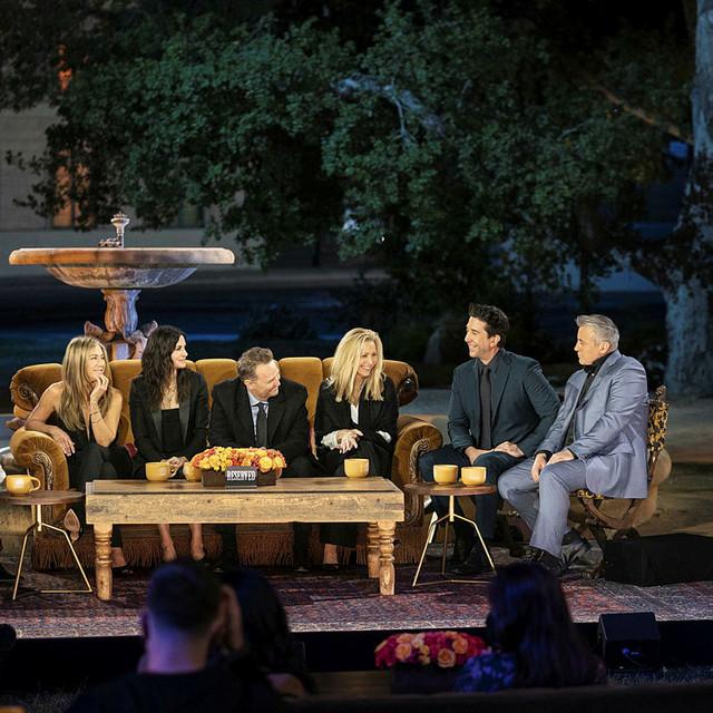 Vor dem berühmten Springbrunnen: Jennifer Aniston, Courteney Cox, Matthew Perry, Lisa Kudrow, David Schwimmer und Matt LeBlanc.