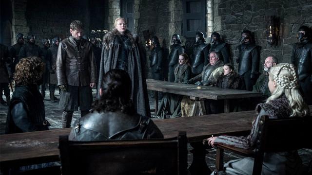 Brienne (Gwendoline Christie) bürgt für Jaime (Nikolaj Coster-Waldau).