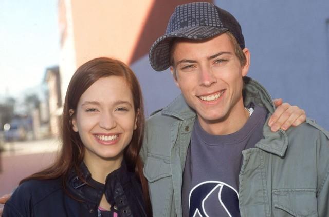 Lena (Uta Kargel) und John (Felix von Jascheroff) vor 14 Jahren