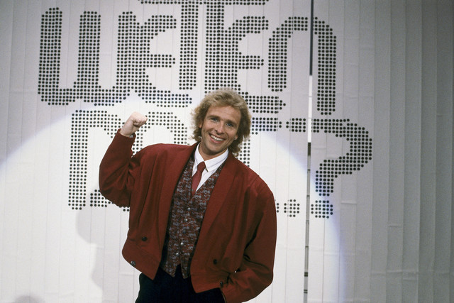 """Thomas Gottschalk bei seiner """"Wetten, dass..?""""-Premiere in Hof am 26. September 1987"""