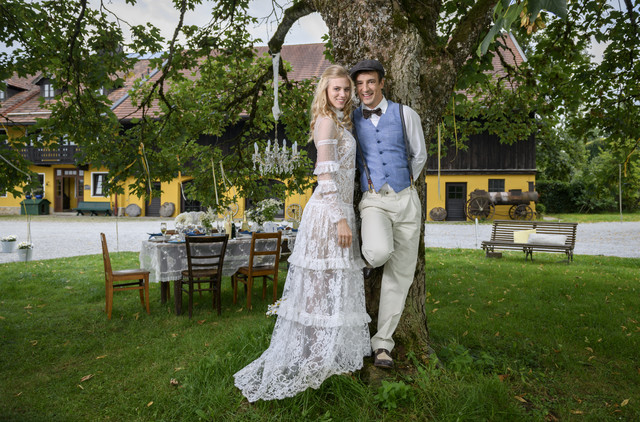 """Alicia Lindbergh (Larissa Marolt) und Viktor Saalfeld (Sebastian Fischer) gaben sich in """"Sturm der Liebe"""" das Ja-Wort"""