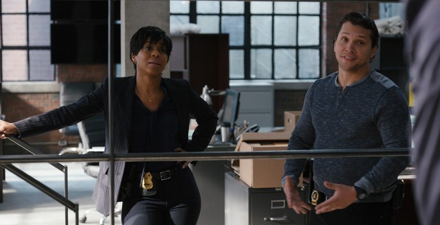 Neue Kollegen: Taskforce-Leiterin Bell (Danielle Moné Truitt) und Detective Diego Morales (Michael Rivera)