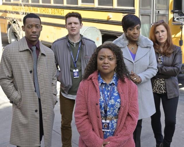 """Die Hauptdarsteller von """"Abbott Elementary"""": (v. l.) Tyler James Williams, Chris Perfetti, Quinta Brunson, Janelle James und Lisa Ann Walter"""