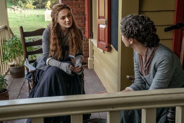 Brianna (Sophie Skelton) und Claire (Caitriona Balfe) nutzen die ihnen verbliebene Zeit.