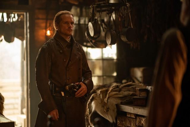 Jamie (Sam Heughan) zieht Richards Zorn auf sich.