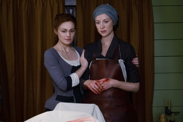 Gegen eine Vergiftung mit Quecksilber ist Claire (Caitriona Balfe) machtlos.