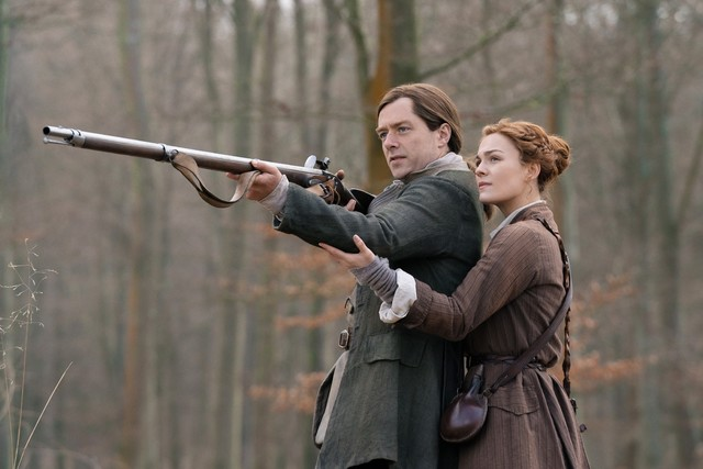 Roger (Richard Rankin) und Brianna (Sophie Skelton) haben unterschiedliche Pläne für ihre Zukunft.