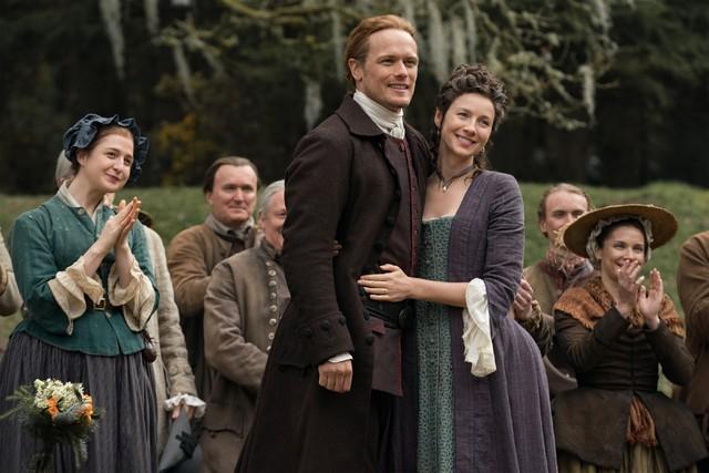 Jamie (Sam Heughan) und Claire (Caitriona Balfe) schwelgen in Erinnerungen.