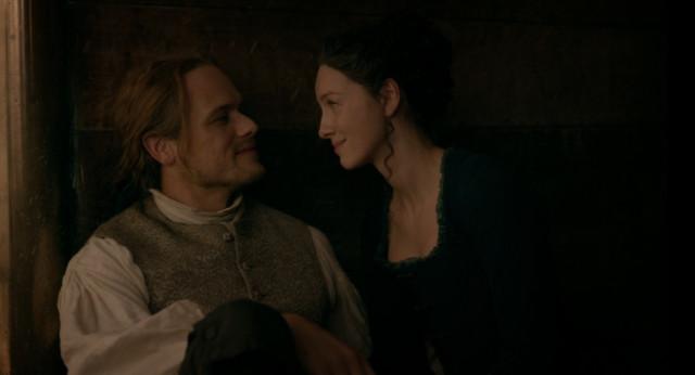 Jamie (Sam Heughan) und Claire (Caitriona Balfe) vertragen sich wieder.