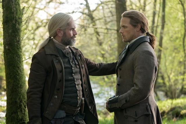 Jamie (Sam Heughan) muss Murtagh (Duncan Lacroix) Lebewohl sagen.