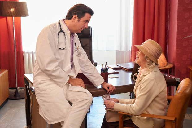Bastian als Dr. Robert Engel