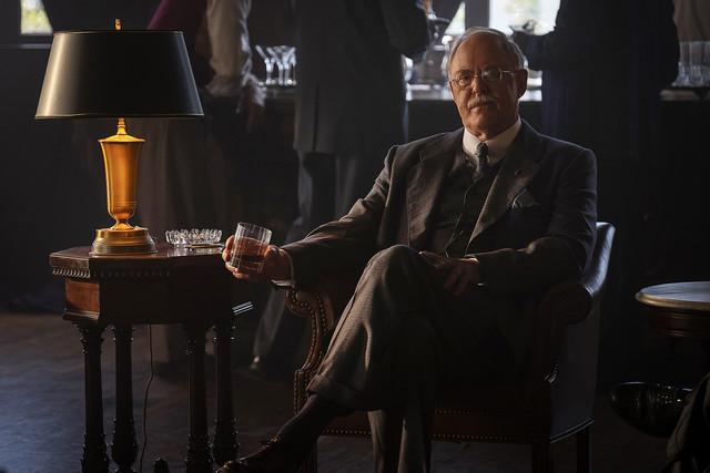 John Lithgow als Anwalt E. B. Jonathan