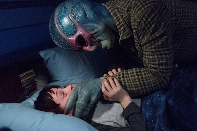 Murderus Interruptus: Harry (Alan Tudyk) und sein junger Todfeind Max Hawthorne (Judah Prehn).