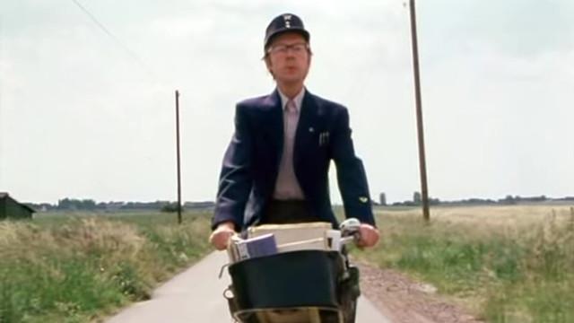 Der Briefträger Onkel Heini durfte in keiner Folge fehlen.