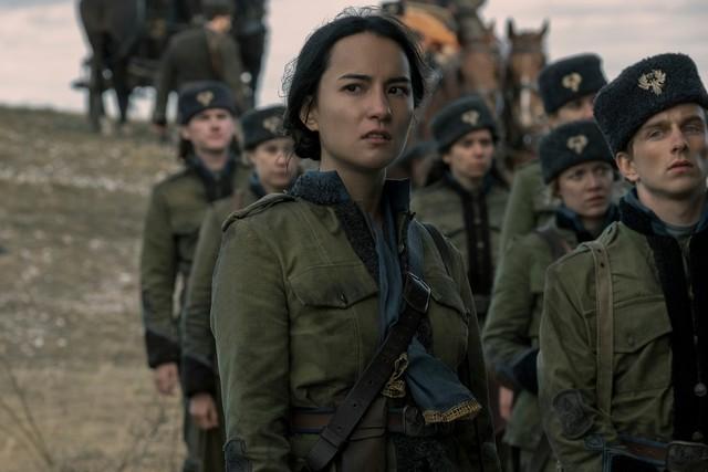 Alina (Jessie Mei Li) sorgt sich um Mal.