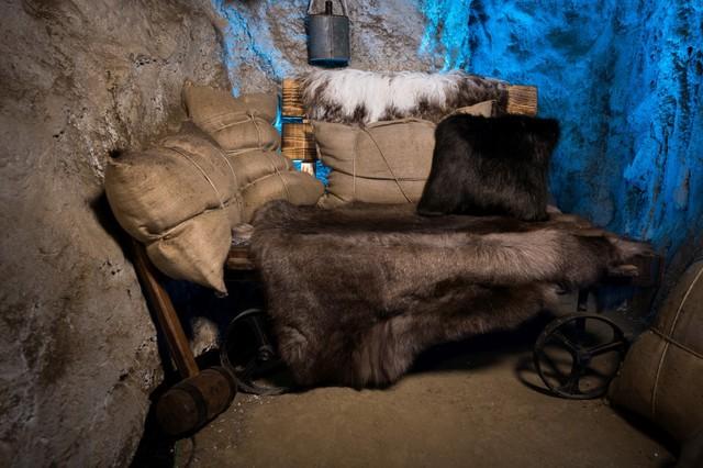 Die Räuberhöhle ist das Sprechzimmer im Märchenwald.