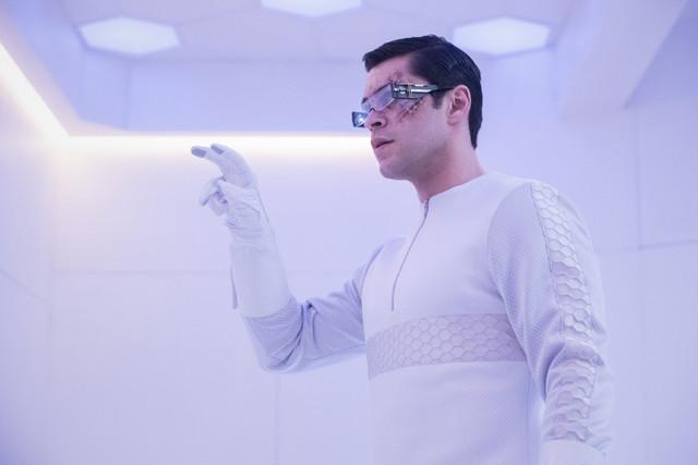 Levitt (Jason Diaz) macht eine Entdeckung.