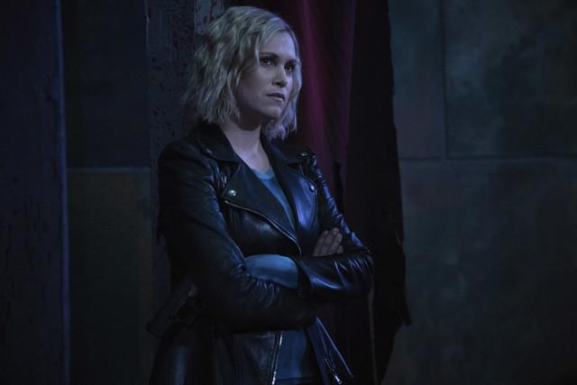 Clarke (Eliza Taylor) hat einzig Madis Sicherheit im Sinn.