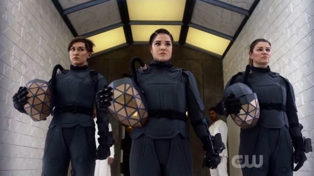 Sind Echo (Tasya Teles), Octavia (Marie Avgeropoulos) und Diyoza (Ivana Milicevic) konvertiert?