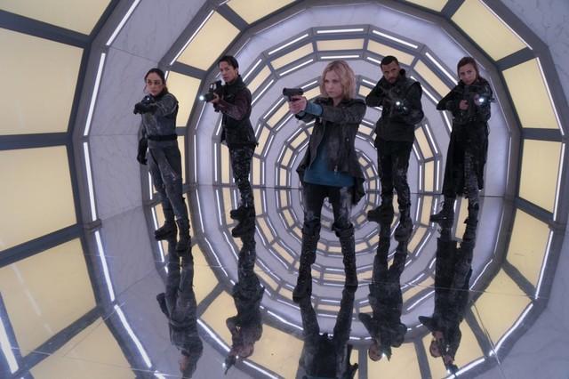 Clarke (Eliza Taylor) und ihre Freunde sehen sich auf Bardo ihrer bisher größten Bedrohung gegenüber.