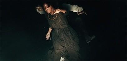 Böser Traum: Am Anfang der Serie fällt Cora (Thuso Mbedu) in einen tiefen Schacht.