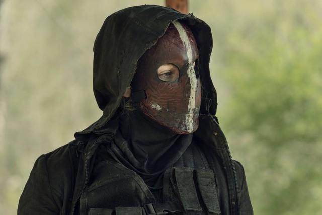 Unter der Maske verbirgt sich Leah (Lynn Collins).