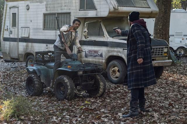 Negan (Jeffrey Dean Morgan) findet in Franklin (Miles Mussenden) einen unerwarteten Helfer.
