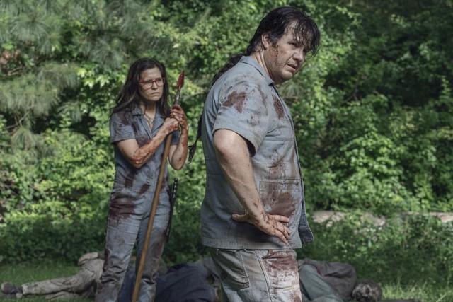 """""""Stephanie"""" (Chelle Ramos) und Eugene (Josh McDermitt) müssen ihre Strafe ableisten."""