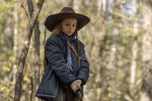 Judith (Cailey Fleming) sorgt sich um Michonne.