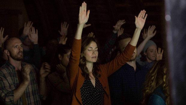 Religiöser Wahn oder Paradies auf Erden? Sarah Lane (Michelle Monaghan) inmitten der Meyeristen.