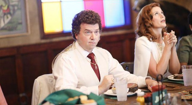 Gerade in der Familie von Jesse (Danny McBride) - hier mit Ehefrau Amber (Cassidy Freeman) - herrscht Protz und Scheinheiligkeit.