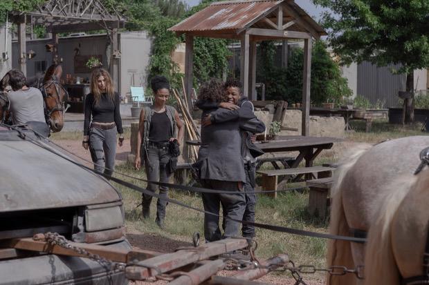 Luke (Dan Fogler) verabschiedet sich von seinen Freunden.