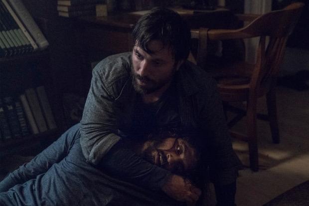 Dante (Juan Javier Cardenas) versucht den Mord an Siddiq (Avi Nash) zu vertuschen.