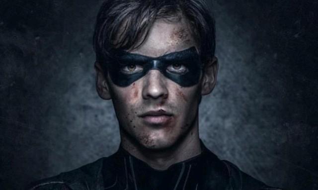 Die meisten Blutspritzer auf dem Gesicht von Robin (Brenton Thwaites) stammen von seinen Opfern...