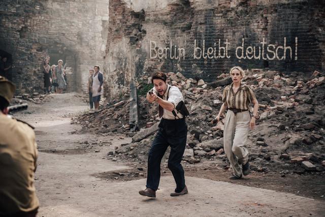 Max McLaughlin (Taylor Kitsch) an der Seite seiner Berliner Polizeikollegin Elsie Garten (Nina Hoss)