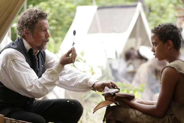 "John Brown (Ethan Hawke, l.) und Onion (Joshua Caleb Johnson) in ""The Good Lord Bird"""