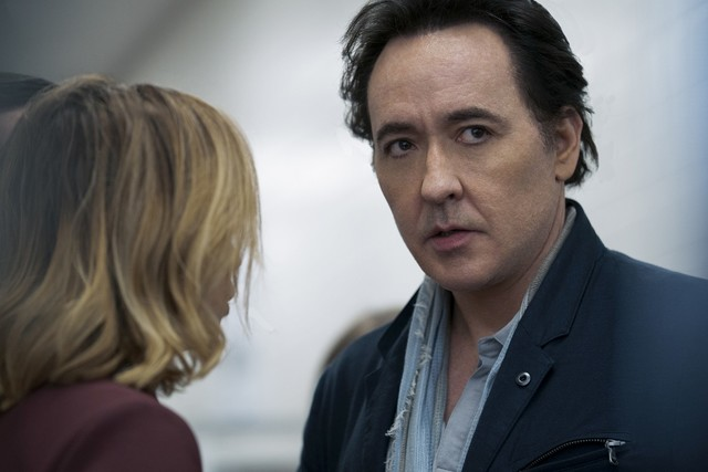 """John Cusack als Dr. Kevin Christie in """"Utopia"""""""