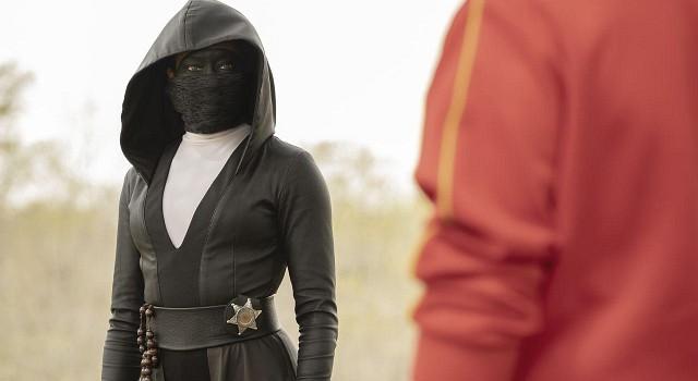 Treffen sich zwei Polisten aus Tusla ... Die Maskierung der Detectives wechselt zwischen Ninja und Trainingsanzug - aber Hauptsache Maske.