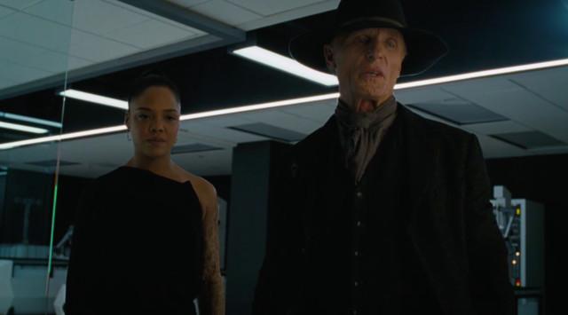 Der Man in Black kehrt in Host-Gestalt zurück.