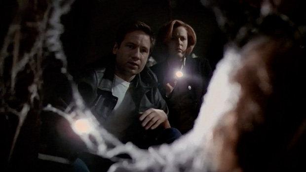 Mulder und Scully machen in der unheimlichen Villa eine grausige Entdeckung.